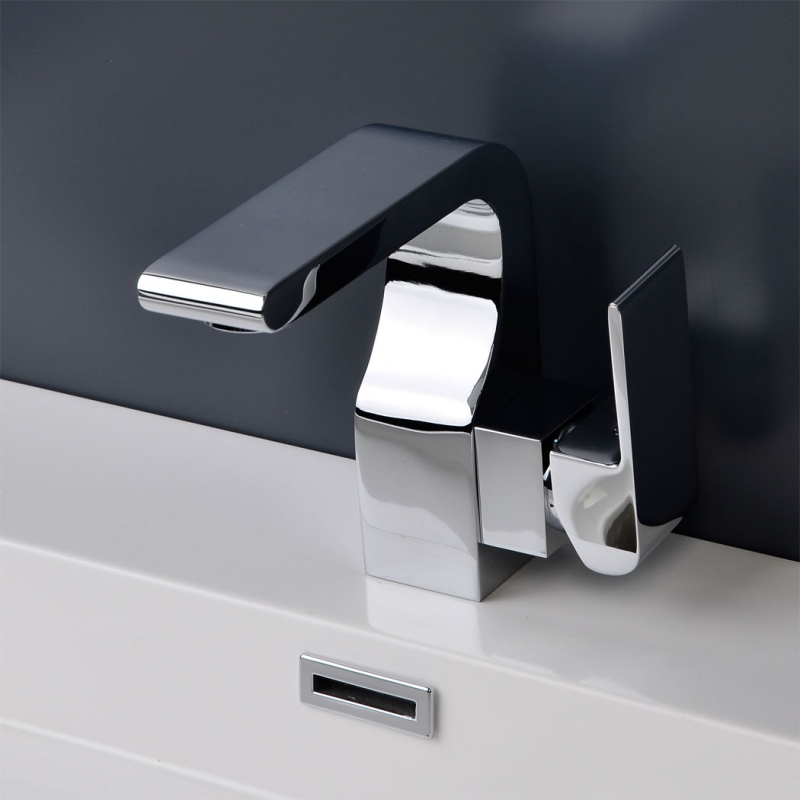 CBI Oceanus Single Hole Bathroom Faucet in Chrome CL-JDL8851000
