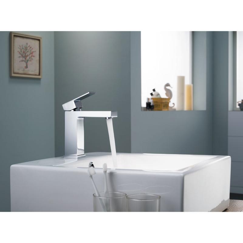 CBI Hudson Single Handle Bathroom Faucet in Chrome AV-BF03CH
