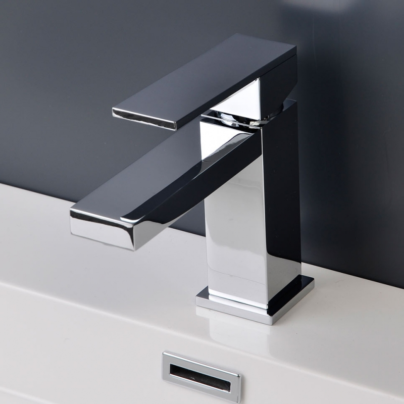CBI Hudson Single Handle Bathroom Faucet in Chrome AV-BF03CH
